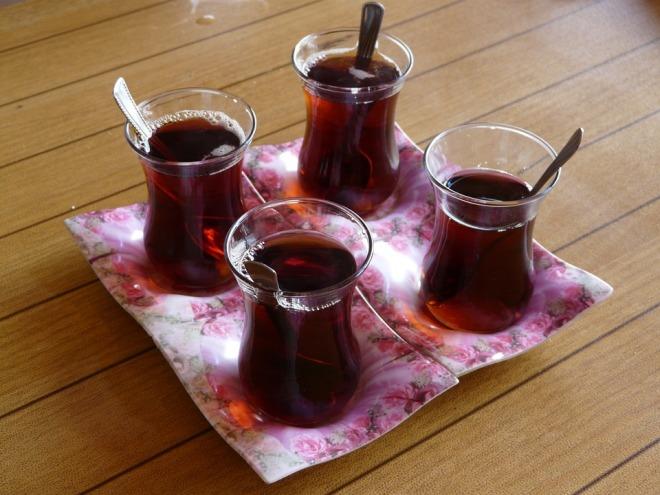 4 чашки чая