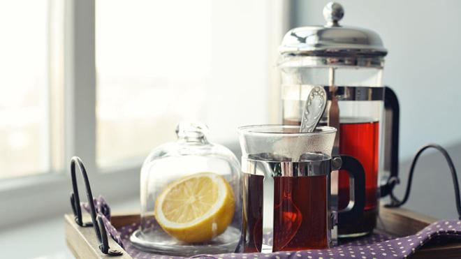 Чай завареный во френч прессе