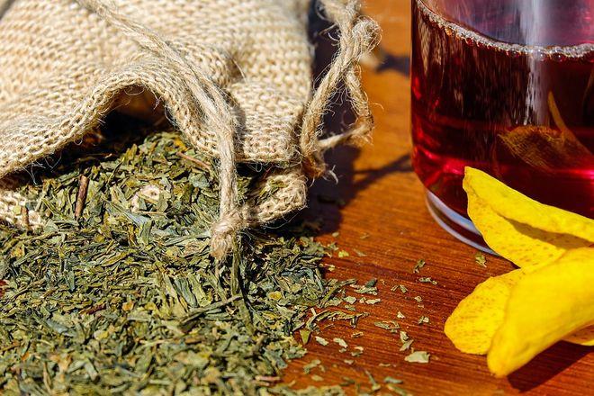 Травяной черный чай