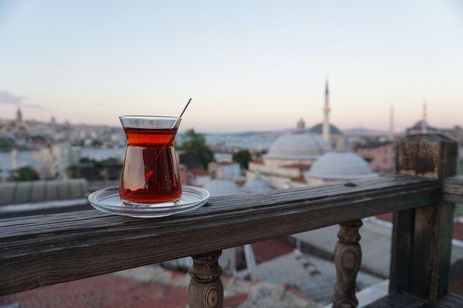 Стакан турецкого чая