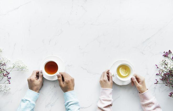 Две чашки чая