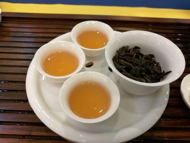 Приготовленный чай улун