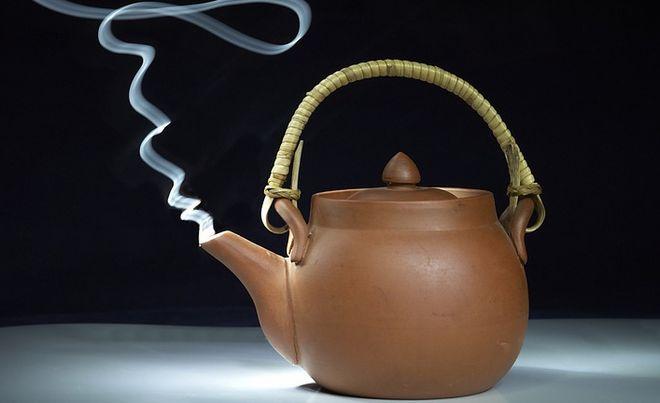 Коричневый чайник